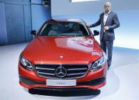 Daimler pays bigger bonuses, dividend after record year