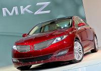 2013 LINCOLN MKZ: Lacking Lincoln