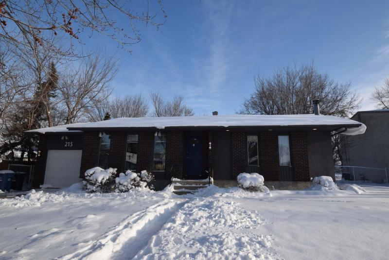 <p>TODD LEWYS / WINNIPEG FREE PRESS</p><p>Try to guess the age of the bungalow at 215 Darwin St. and you may fail. But don't worry, the interior is so spacious and fresh that you'll forget your confusion immediately.</p>