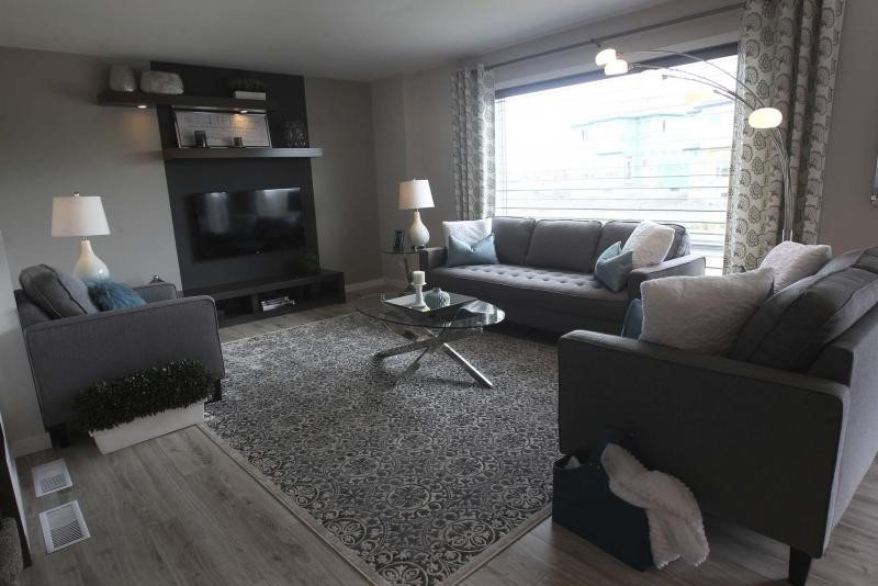 <p>JOE BRYKSA / WINNIPEG FREE PRESS35 Eaglewood Drive in Prairie Point in Winnipeg-Living area- July 10 , 2017 -( See Todd Lewys story)</p>