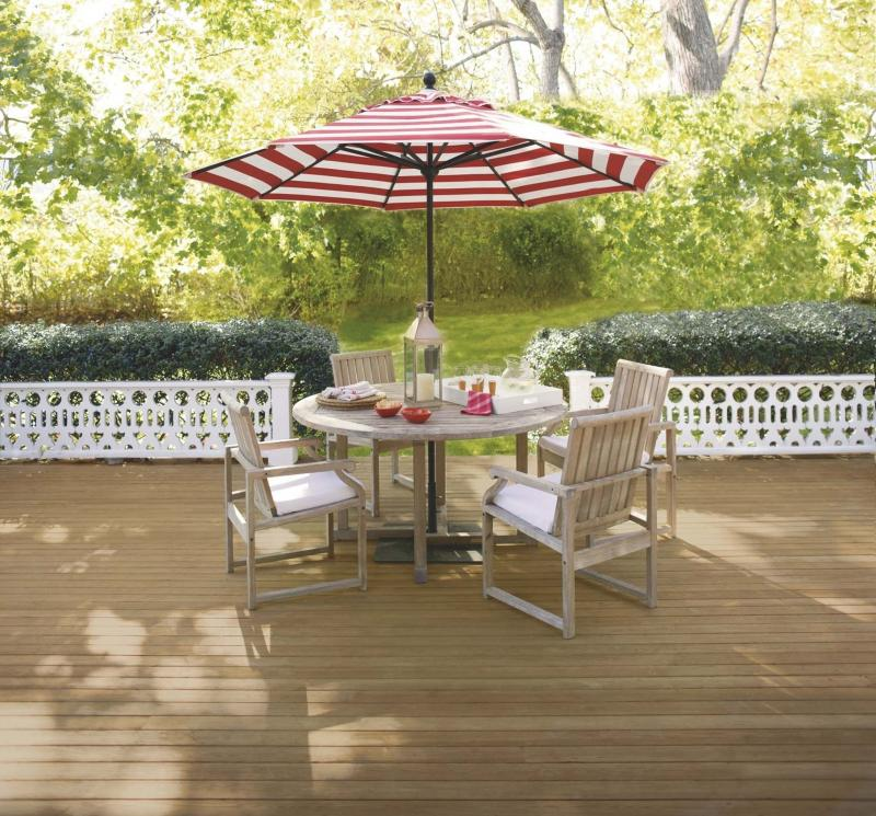 <p>Courtesy of Benjamin Moore Paints</p><p>Your deck is a great space to utilize for entertaining this summer.</p>