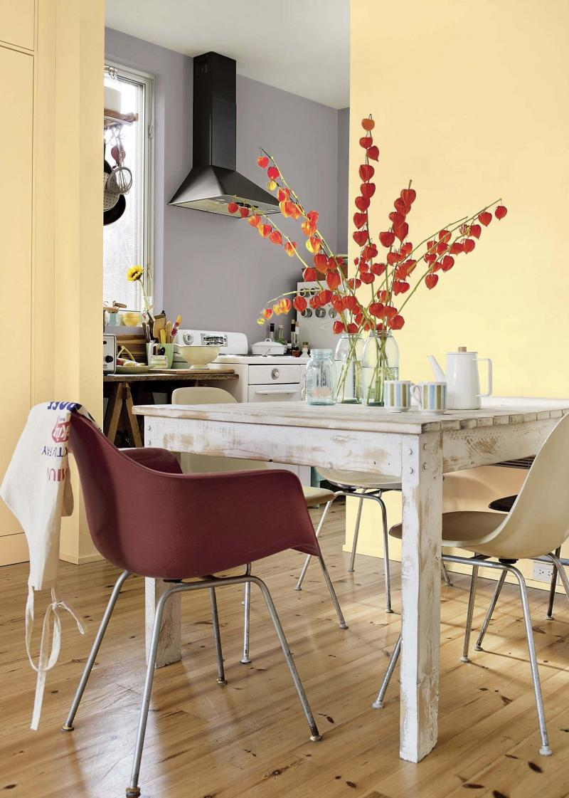 <p>Courtesy of Dulux Paints</p><p>Mix and match eclectic pieces to create a unique dining room set.</p>