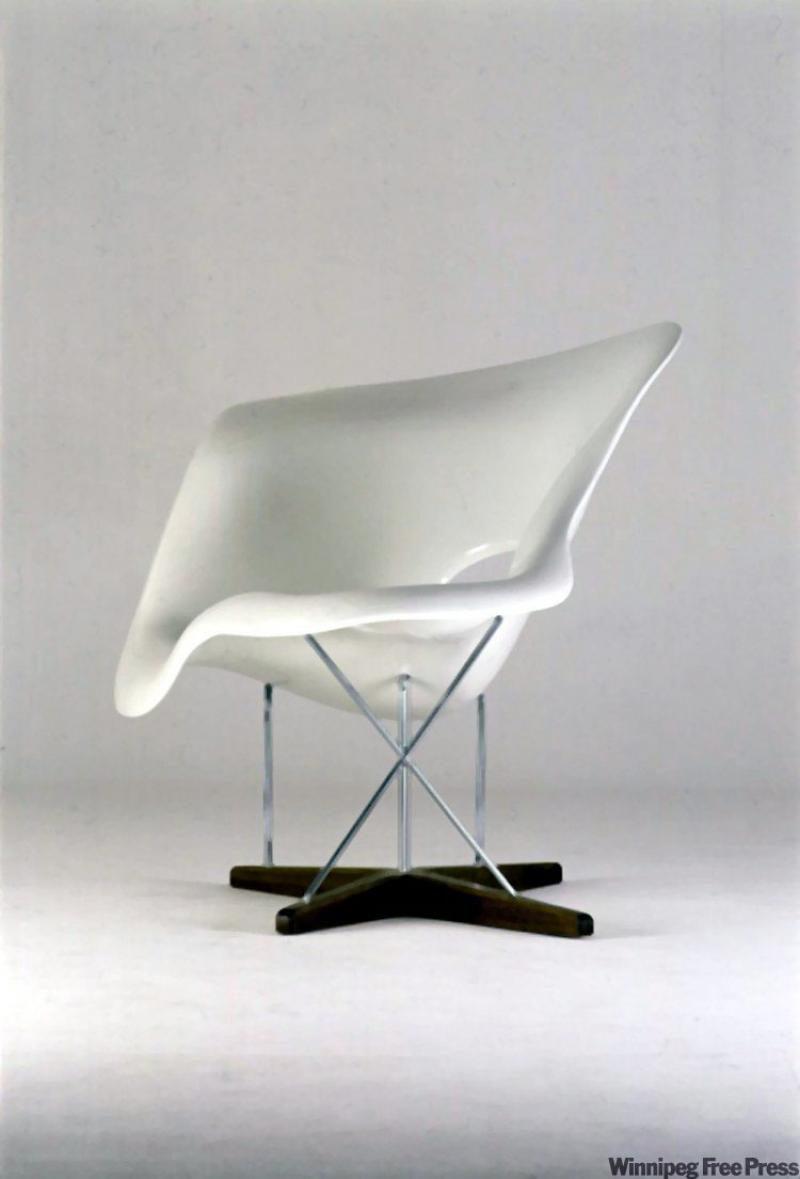 Boutique hotel chic trend comes to an end winnipeg free for Chaise design charles eames