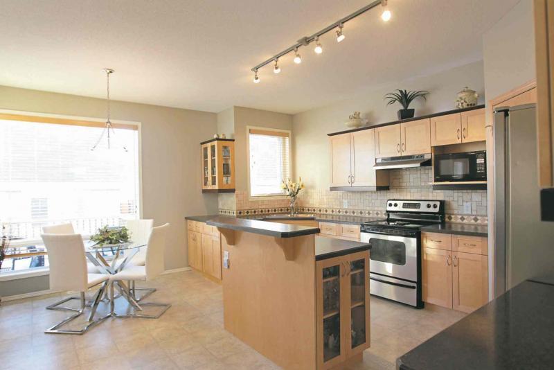 Homes:  Resale home at 5 Tansi Lane in Sage Creek. Realtor Cheryl Thurston.   Jan 05, 2016 Ruth Bonneville / Winnipeg Free Press