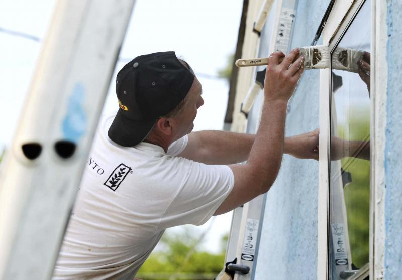 <p>When hiring someone to do renovations on your home, make sure to hire a properly insured professional. (Ruth Bonneville / Winnipeg Free Press)</p></p>