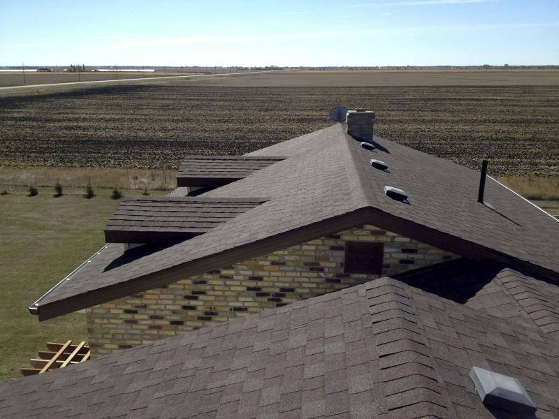 <p>Photos by Marc LaBossiere / Winnipeg Free Press</p><p>With some small exceptions, the shingles on this roof have stood the test of time.</p>