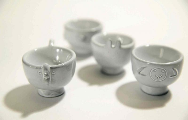 Denture tablets can be used to clean fine ceramic cups and mugs.