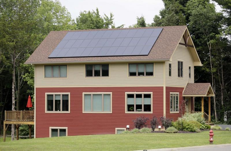 <p>MIKE GROLL / THE ASSOCIATED PRESS FILES</p><p>Manitoba new-home builders have taken the initiative to lead the country in planning for the next wave of advance building science, including zero net energy homes such as this one in New Paltz, N.Y.</p></p>