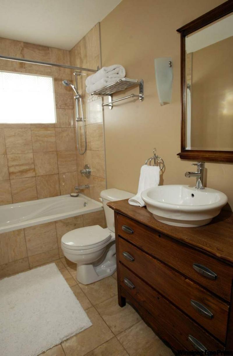 Dresser into a bathroom vanity bathroom vanities for Old dresser made into bathroom vanity
