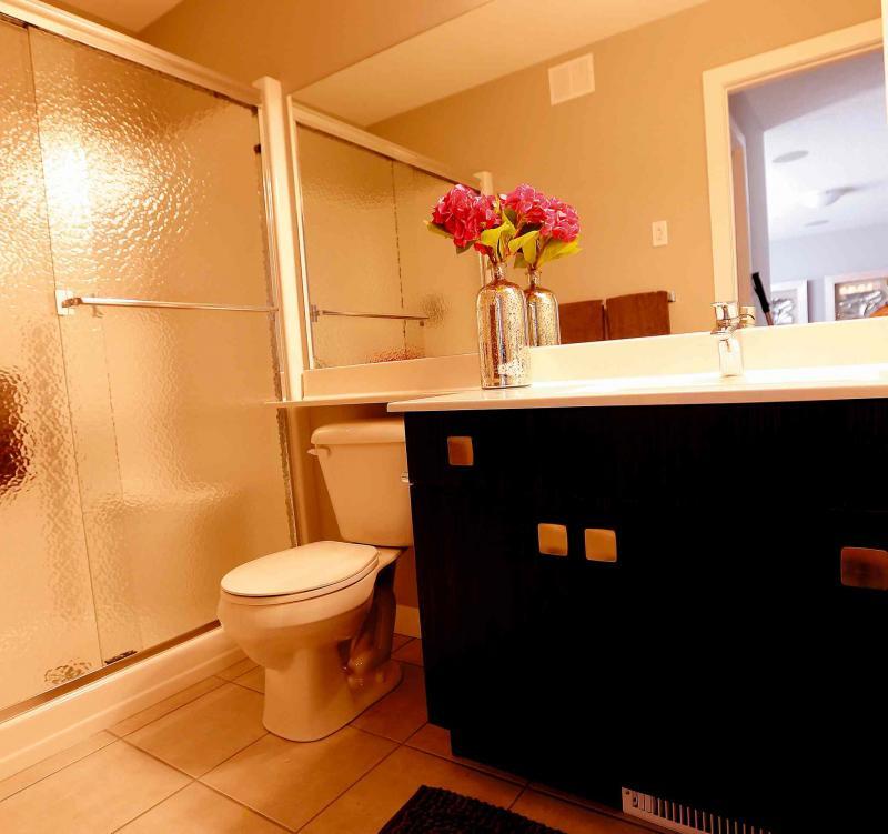 Ensuite Bathroom Winnipeg flexible features - winnipeg free press homes