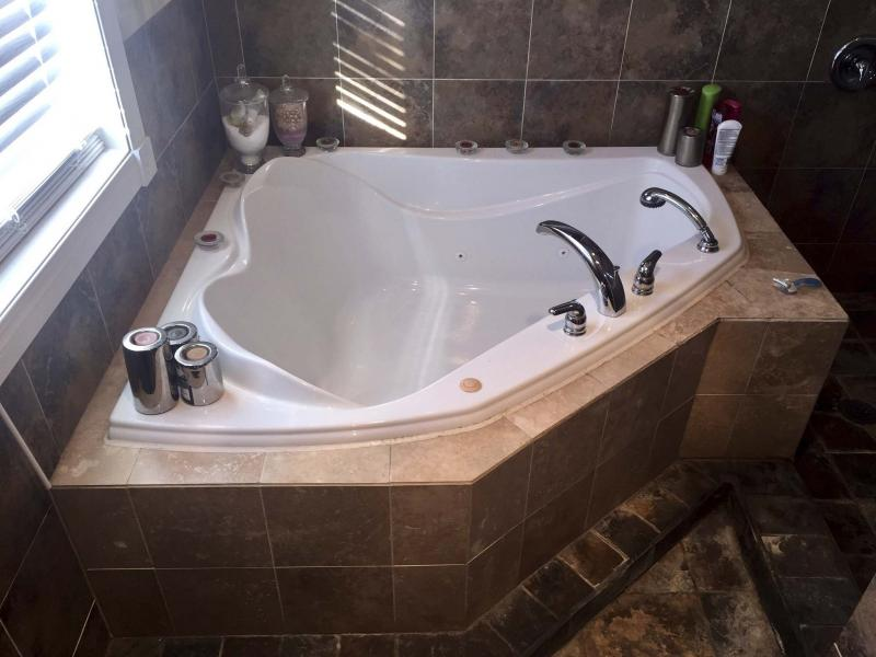 <p>Photos by Marc LaBossiere / Winnipeg Free Press</p><p>I introduced this great jacuzzi tub into the bathroom expansion during the second-floor build. </p>