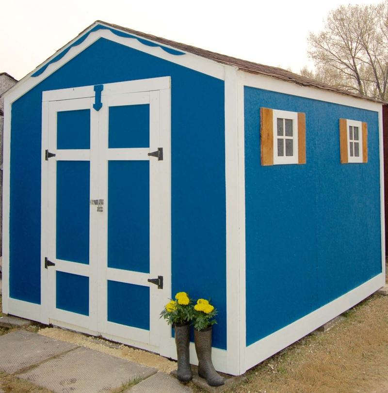 <p>David Oliver / Winnipeg Free Press</p><p>A decorative garden shed can add charm and character to your yard.</p></p>