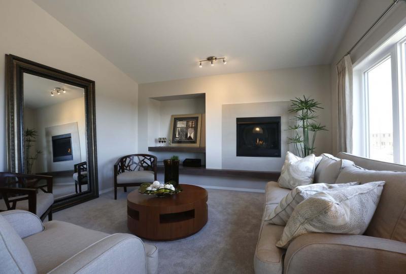 <p>WAYNE GLOWACKI / WINNIPEG FREE PRESS</p><p>The living room features a gas fireplace.</p>