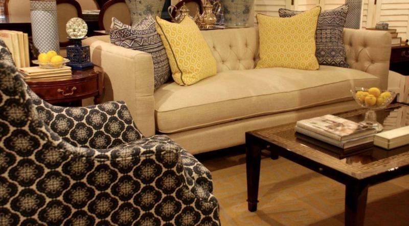 <p>This linen sofa is given new life by using a squeeze of lemon.</p>