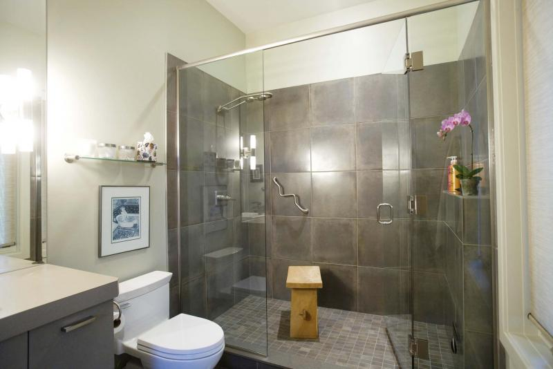<p>Ryan Jackson / Edmonton Journal</p><p>Walk-in showers are very popular these days, and also accommodate wheelchairs or other adaptive equipment.</p></p>