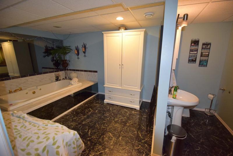 Ensuite Bathroom Winnipeg fully loaded - winnipeg free press homes