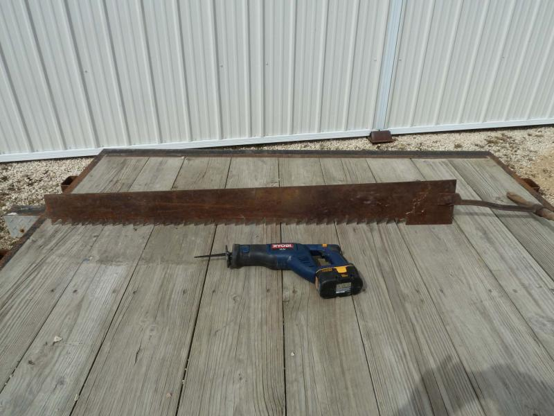 <p>LAURIE MUSTARD / WINNIPEG FREE PRESS</p><p>Compare and contrast: the saw blade above is one big, honkin' tool. The smaller Ryobi you see beside it is a lot more manageable.</p>