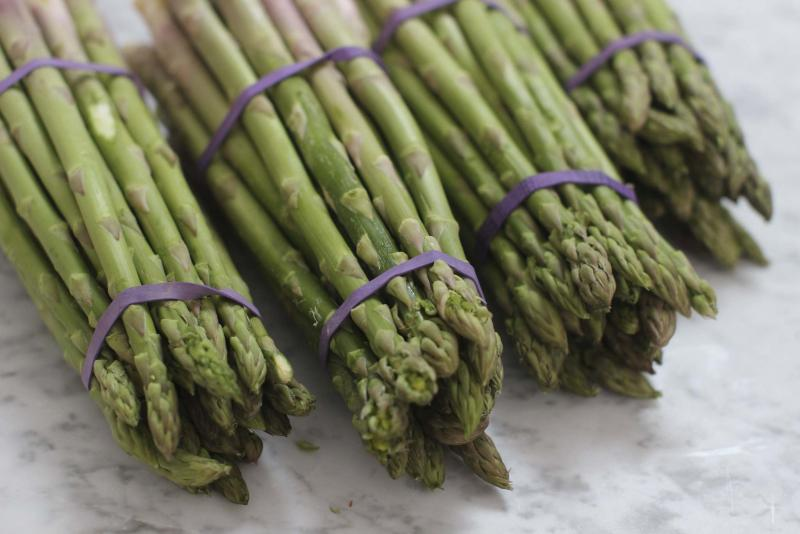 <p>Matthew Mead / The Associated Press files</p><p>Place limp asparagus in a vase filled with ice water and place in fridge to make it crisp again. </p>