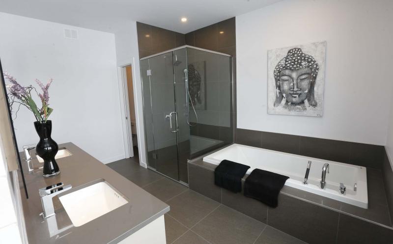 Ensuite Bathroom Winnipeg universal appeal - winnipeg free press homes
