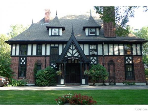 Home Photo - 186 West Gate Gate