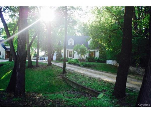 Home Photo - 864 Kildonan Drive