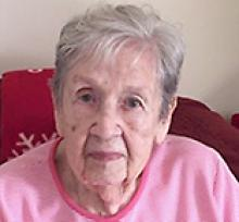 DAPHNE EVELYN ARNOTT  Obituary pic