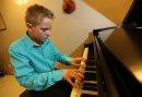 Pianist, ...