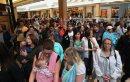Crowds line up ...