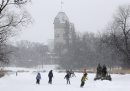 Winter Wonderland- A perfect day for a skate in the snow at the rink at Assiniboine Park Tuesday¾±Standup Photo- Feb 10, 2015   (JOE BRYKSA / WINNIPEG FREE PRESS)