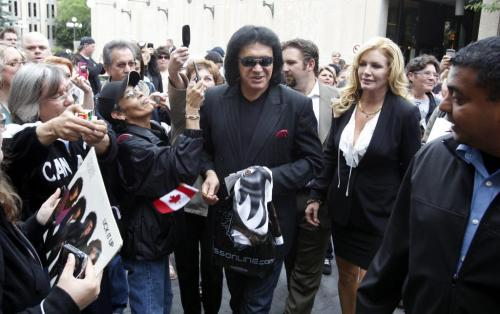 BORIS.MINKEVICH@FREEPRESS.MB.CA   BORIS MINKEVICH / WINNIPEG FREE PRESS 110615 Gene Simmons drew a crowd at City Hall. He was given the key to the city. His wife Shannon Tweed was there too.
