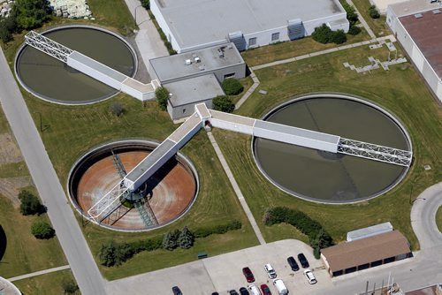AERIAL PHOTOS OVER WINNIPEG-Sewage treatment centre, north Main Street. July 3, 2012  BORIS MINKEVICH / WINNIPEG FREE PRESS