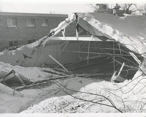 Gerry Cairns/Winnipeg Free Press Archives Winnipeg Blizzard (5) March 5, 1966 Eaton Curling Club collapses fparchive