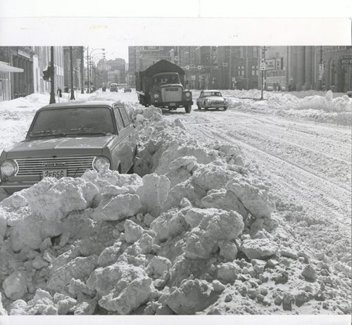 Gerry Cairns/Winnipeg Free Press Archives  Winnipeg Blizzard (23) March 5, 1966 Main Street - snow fparchive