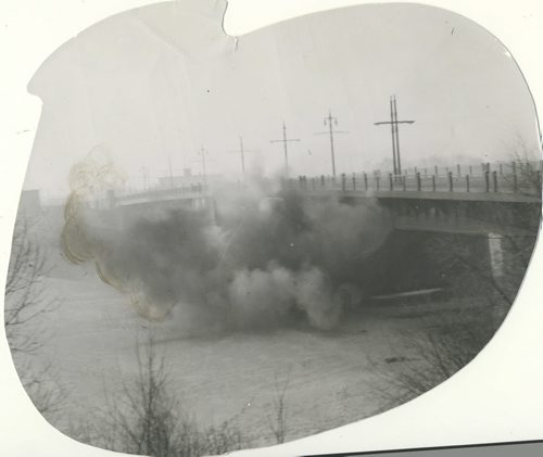 Winnipeg Free Press Archives If Day - World War II - (8) Feb. 19, 1942 They defended Winnipeg against Mock Nazi Blitz fparchive