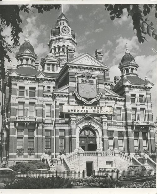 Winnipeg Free Press Archives Winnipeg Old City Hall (6) Aug. 10, 1957 These Are Some Landmarks You'll Want To See Winnipeg's city hall, Main street fparchive