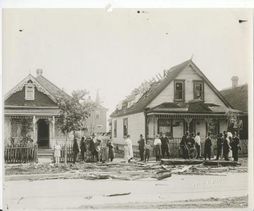 L. B. Foote / Winnipeg Free Press Winnipeg storm  (11) June 17, 1919 Winnipeg scenes following wind storm fparchive