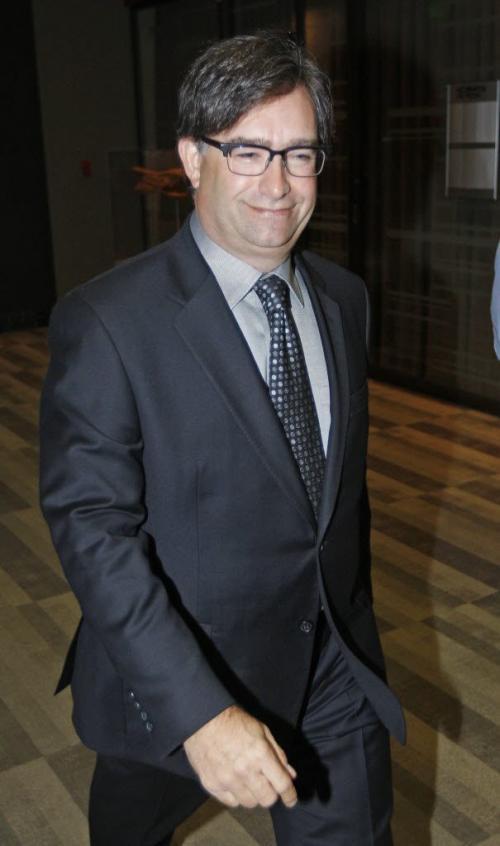 Phoenix Sinclair Inquiry heard from psychiatrist  Gary Altman leaving  inquiry after  questioning  KEN GIGLIOTTI  / WINNIPEG FREE PRESS  /  Nov 19 2012