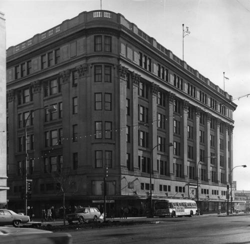 Hudson's Bay Company downtown store. March 19, 1973 Gerry Cairns / Winnipeg Free Press Archives