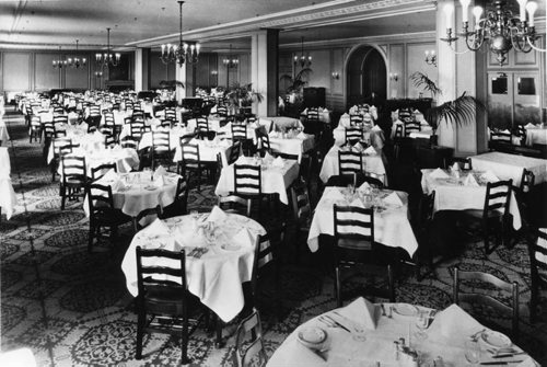 Hudson's Bay Company's downtown store. Main dining room on the 5th floor. November 1926 Hudson's Bay Company Archives, Manitoba Archives