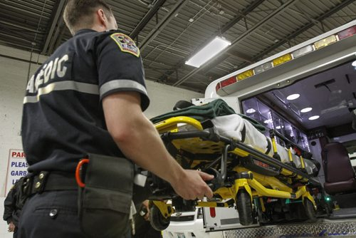 how to become a paramedic in winnipeg