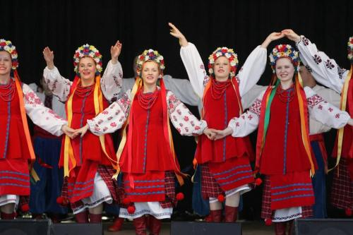 BORIS MINKEVICH / WINNIPEG FREE PRESS  070527 The 21st Annual Teddy Bears' Picnic at Assiniboine Park. The Orlan Ukrainian Dancers perform on stage.