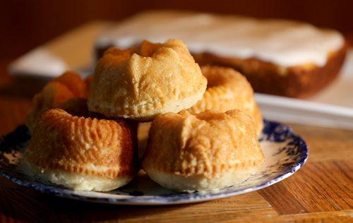 Lemon Pound Cakes and Old Fashioned Lemon Pound Cake, Monday, October 21, 2013. (TREVOR HAGAN/WINNIPEG FREE PRESS) - recipe swap