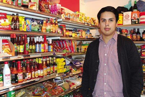 Canstar Community News Jesse Lemus, Mercadito Latino. (JORDAN THOMPSON)