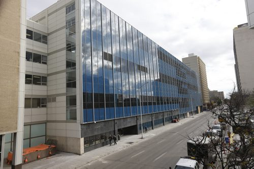 New Winnipeg Police HQ renovated from the  former Canada Post Office on Graham Ave at Smith ST.- will replace  the Public Safety Bldg. - PSB cop shop  Tag words: WPS headquarters KEN GIGLIOTTI / Oct. 25 2013 / WINNIPEG FREE PRESS PSB building