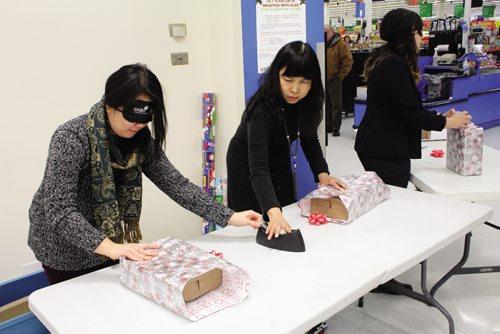 Canstar Community News Cindy Chan, Maggie Lee Grant and Winnipeg Free Press reporter Jessica Botelho-Urbanski. (JORDAN THOMPSON)