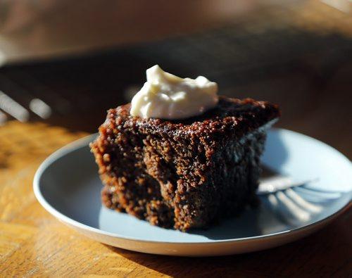 ENT . Recipe Swap , gingerbread   -  story by alison gilmore JAN. 13 2014 / KEN GIGLIOTTI / WINNIPEG FREE PRESS