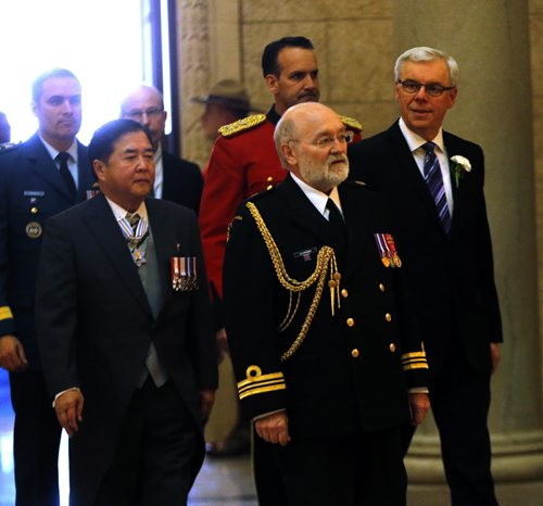 (Right)  Premier Greg Selinger and Left Lt.-Gov. Philip Lee enter the assembly house  to  present the Throne Speech at beginning of the    4th Session of 40th Manitoba legislature Throne Speech for the opening  fall session of the legislature . NOV. 20 2014 /KEN GIGLIOTTI / WINNIPEG FREE PRESS
