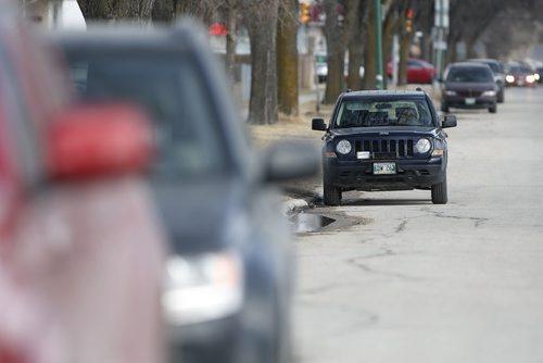 April 6, 2015 - 150406  -  A speed camera sits in a school zone on Burrows Avenue Monday, March 6, 2015. John Woods / Winnipeg Free Press