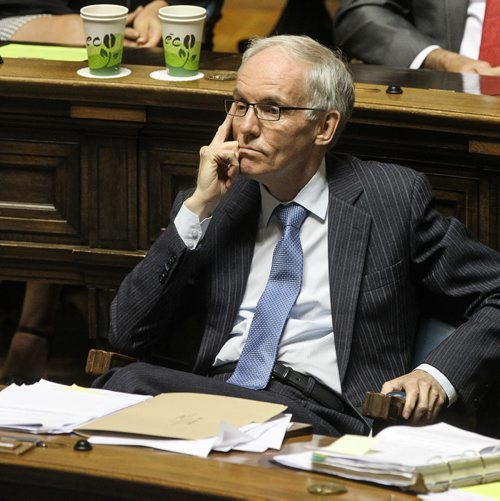 MLA Steve Ashton reacts while Premier Greg Selinger defends him and leader of the opposition skewers him over the $5-million deal to acquire flood-fighting equipment for First Nations. 150618 - Thursday, June 18, 2015 -  MIKE DEAL / WINNIPEG FREE PRESS