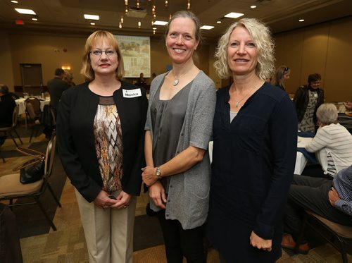 (L-R) Bookmates executive director Monica Dinney with donors Dr. Ann Loewen and  sc 1 st  The Winnipeg Free Press Store & The Winnipeg Free Press Store